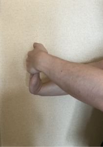 手首のストレッチ1